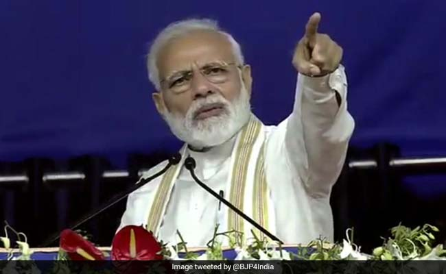 PM Modi Attacks Rahul Gandhi Over His 2013 'Poverty A Mindset' Remark