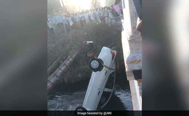 Family Of 6 Including 2 Girls Drown After Car Falls Into Tamil Nadu Canal