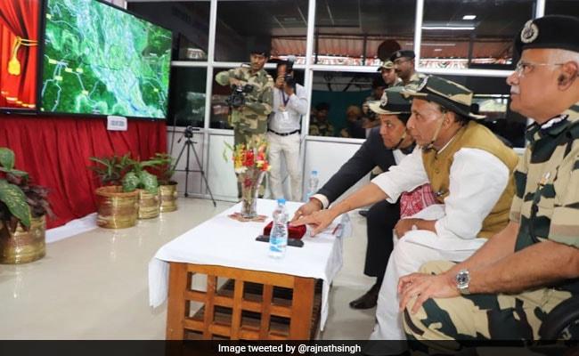 बालाकोट एयर स्ट्राइक पर कांग्रेस को राजनाथ सिंह की दो टूक: तो क्या 300 मोबाइल फोन पेड़ चला रहे थे?
