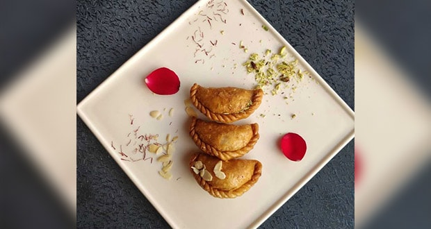 Chocolate Prunes Gujiyas