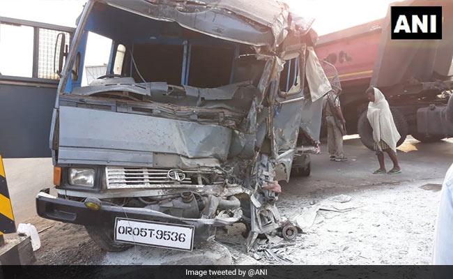 2 Cops Killed, 17 injured As Truck Rams Police Van On Odisha Highway