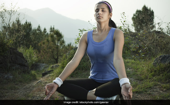Take Out 2 Minutes For This Breathing Exercise That Can De-Stress You; Better! You Can Do It Anytime, Anywhere