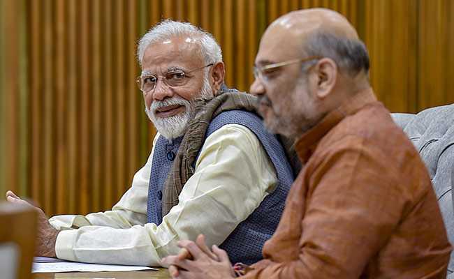 Pakistan should stay alert until polls in India: PM Khan