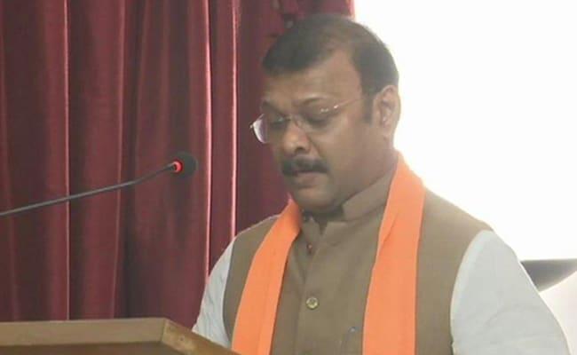 Hours After Quitting BJP Ally, Lawmaker Deepak Pauskar Inducted In Goa Cabinet