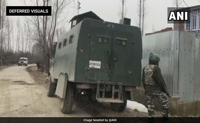 जम्मू-कश्मीर: पुलवामा के त्राल में हुई मुठभेड़, तीन आतंकी ढेर