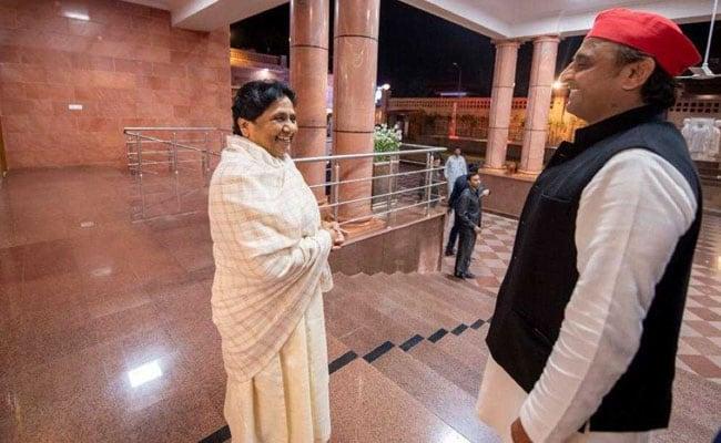 प्रियंका की चंद्रशेखर से मुलाकात के बाद SP-BSP गठबंधन में हलचल? अखिलेश ने मायावती से की मुलाकात