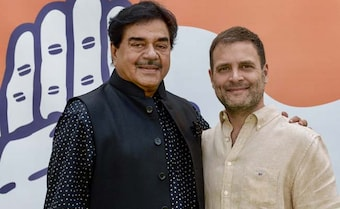 'Painfully' Leaving BJP, Says Shatrughan Sinha After Meeting Rahul Gandhi