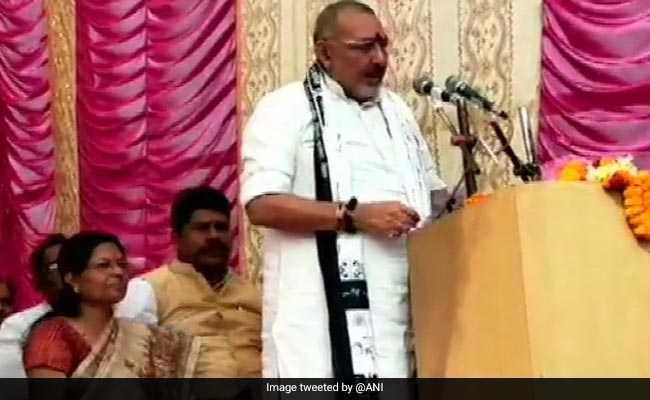 Election 2019: नीतीश के सामने गिरिराज ने कहा, 'मेरा मुक़ाबला सिर्फ गिरिराज सिंह से है और किसी से नहीं'