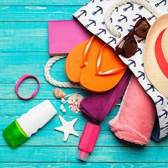 Beach Vacation के लिए 5 सबसे जरुरी चीज़ें, बैग पैक करते वक्त ना भूलें इन्हें