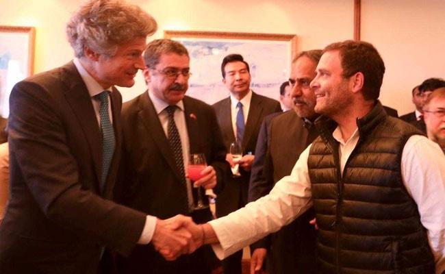 कांग्रेस का अनौपचारिक भोज, राहुल गांधी ने विदेशी राजनयिकों से मुलाकात की