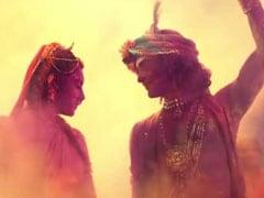होली के रंगों में डूबे राधा-कृष्ण, 'जहां जहां राधे वहां जाएंगे मुरारी' सॉन्ग हुआ वायरल- देखें Video