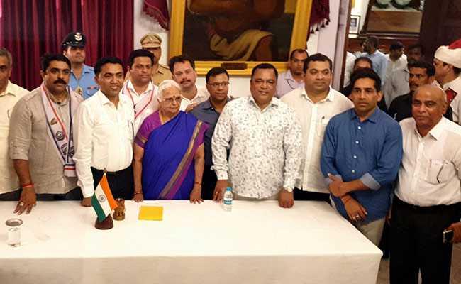 गोवा में नए CM का फ्लोर टेस्ट आज, फाइव स्टार रिसॉर्ट में ले जाए गये बीजेपी के विधायक