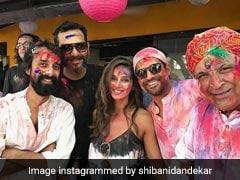 Shibani Dandekar Posts Adorable Holi Pic With Farhan And Javed Akhtar