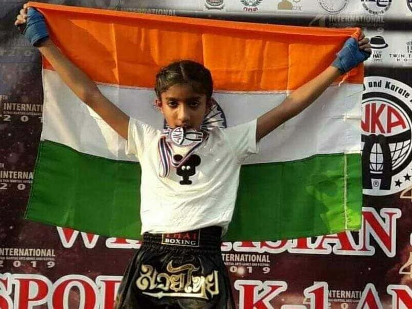 Aahna singh wins silver medal in Kick Boxing,