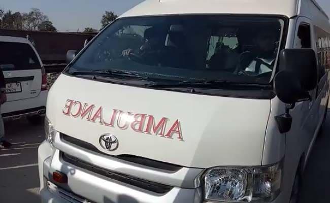 पाकिस्तान में सरकार ने नवाज शरीफ के लिए जेल के बाहर एम्बुलेंस तैनात कीं