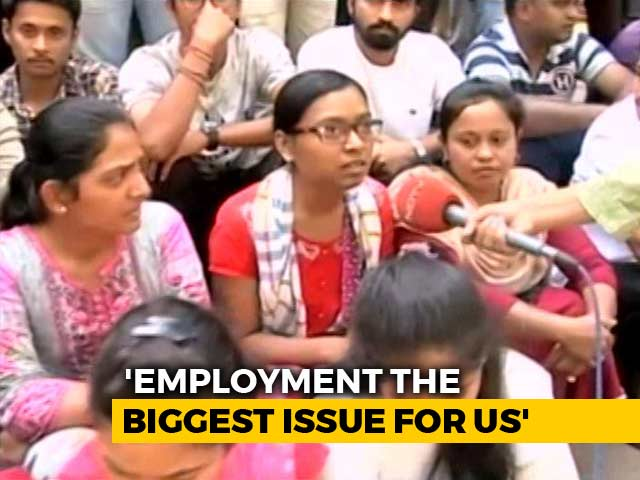 Video : Would Vote For Those Who Focus On Generating Jobs: Young Voters In Maharashtra