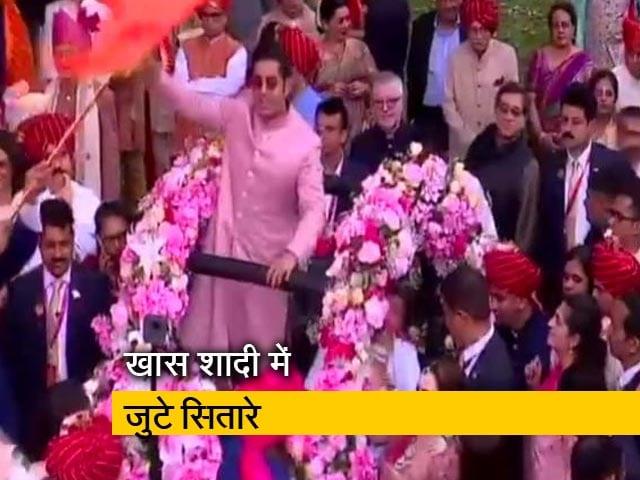 Video : मुंबई में मुकेश अंबानी के बेटे आकाश की शाही शादी