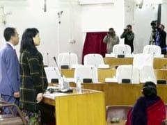 मेघालयः जब राज्यपाल विधानसभा में भाषण देने पहुंचे तो विपक्षी नेताओं की खाली मिलीं कुर्सियां