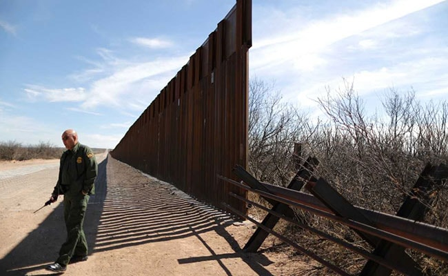 Trump 'Wall' In Desolate Stretch Of New Mexico Has Some Asking: Why Here?