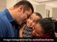 Pic Of Ahil Adorably Sandwiched Between Salman Khan And Arpita Is The Cutest Thing You'll See Today