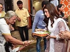 फिल्म रिलीज से पहले इस एक्ट्रेस ने बेची थीं टिकटें,  हिट होते ही बांटने लगी प्रसाद- देखें वायरल Photo