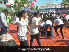 Ahmedabad Celebrates Holi With A Spanish Twist - Tomatoes For Balloons