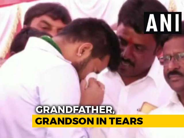 """Video : HD Deve Gowda, Grandson Weep At Event; """"First Drama For 2019,"""" Tweets BJP"""