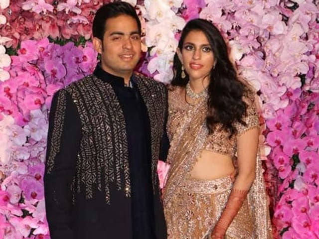 'Meet My Wife': Akash Ambani Introduces Shloka Mehta At Post-Wedding Bash