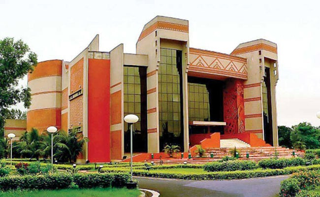IIM Calcutta's Business Analytics Diploma Student Bags Rs 1.72 Lakh Summer Internship