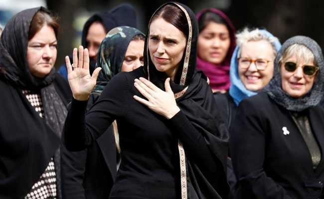 Jacinda Ardern pays for groceries of Auckland mum who forgot wallet