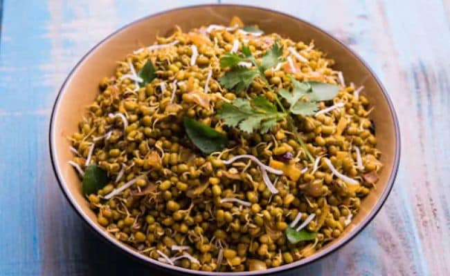 How To Make UP-Style Matar Or Matra Chaat At Home (Watch Video)