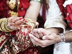 CRPF जवान ने एक मंडप पर कीं दो शादियां, पत्नी और गर्लफ्रेंड के साथ लिए 7 फेरे