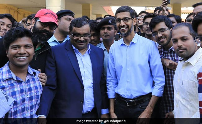 Elections 2019: Did Google CEO Sundar Pichai Vote? Viral Photo Fact Checked