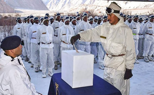 Army Soldiers Posted At Siachen Cast Their Votes