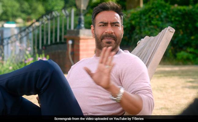 Saif Ali Khan And Ajay Devgn Had A Talk Over Viral 'Kareena-Saif' Dialogue In De De Pyaar De