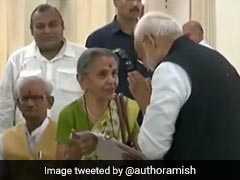 कौन हैं अन्नपूर्णा शुक्ला, जिनका पीएम मोदी ने वाराणसी में पैर छूकर लिया आशीर्वाद