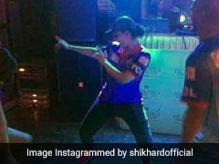 IPL 2019: शिखर धवन ने पत्नी के साथ किया 'सपने में मिलती है...' पर डांस, देखता रह गया बेटा जोरावर; VIDEO