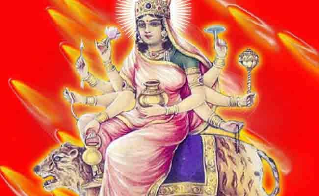 4th day of Navratri : मां कूष्मांडा को चढ़ाएं हरी इलायची का भोग, जानिए पूजा विधि, मंत्र और आरती