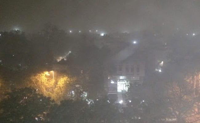 दिल्ली-एनसीआर में बदला मौसम का मिजाज, आंधी-तूफान के बाद कई इलाकों में बारिश, जानें इस सप्ताह कैसा रहेगा मौसम
