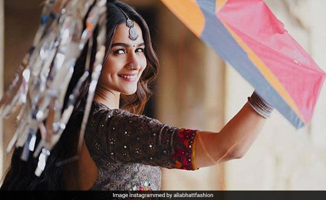 Kalank While Alia Bhatt's Roop Wows Everyone She Claims To'Lack Adaa Of Yesteryear Heroines