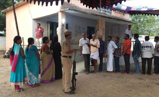 ஆந்திராவில் 5 வாக்குச் சாவடிகளில் மீண்டும் மறு வாக்குப் பதிவு நடைபெறும்
