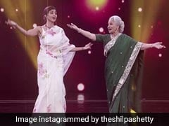 When Shilpa Shetty And Waheeda Rehman Danced To '<i>Aaj Phir Jeene Ki Tamanna Hai</i>'