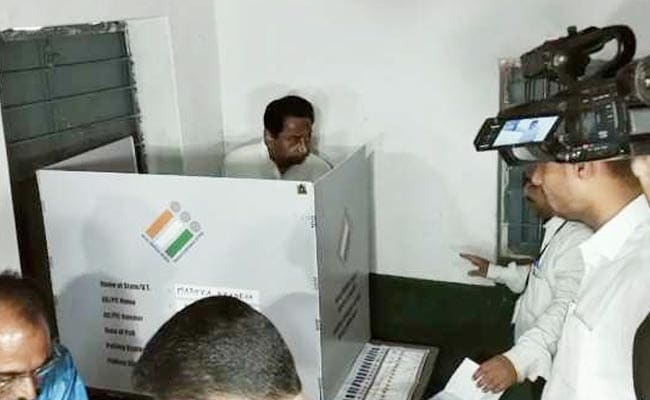 Hit With Power Tripping, Chief Minister Kamal Nath Votes In Camera Light