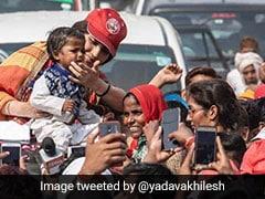 अखिलेश यादव ने पीएम मोदी से पूछा- इस बच्चे को पहचाना, ये वही खजांची है...
