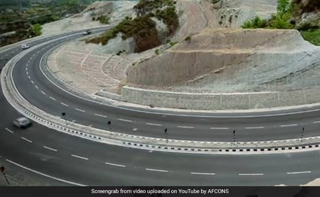 J&K Highway To Remain Closed To Civilian Traffic Twice A Week Till May 31