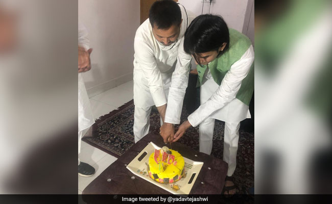 Tejashwi Wishes 'Krishna Elder Brother' After 'Reunion' With Tej Pratap