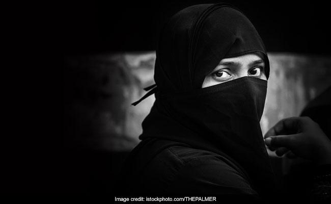 पाकिस्तान की संसद में उठा हिंदू लड़कियों के जबरन धर्म परिवर्तन का मुद्दा, रोक के लिए प्रस्ताव पास