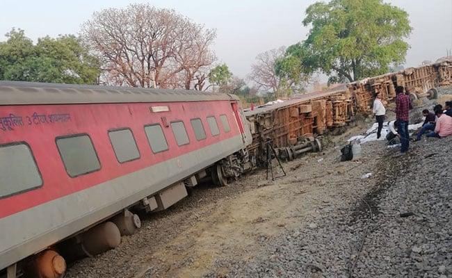 महाप्रबंधक के दौरे के एक दिन बाद ही ट्रेन हादसा, उत्तर मध्य रेलवे जोन सवालों के घेरे में
