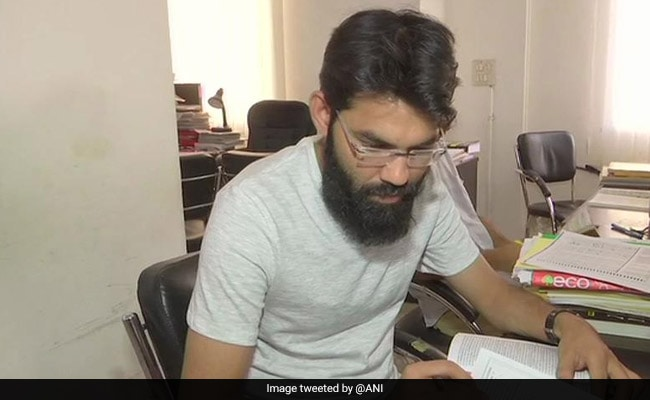 'Azamgarh Good Source Of Learning': Muslim Cleric Who Cleared UPSC Exam