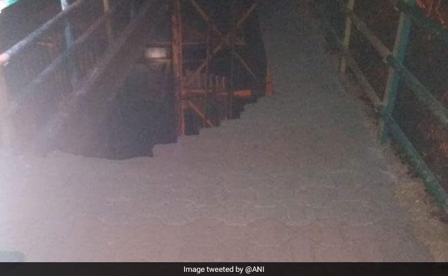 2 Injured After Foot Overbridge Collapses In Navi Mumbai's Vashi